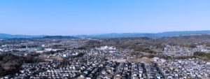ドローンで撮影した三重県名張市の街並み